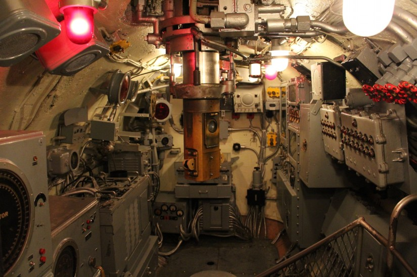 Submarine combat control room (with periscope)