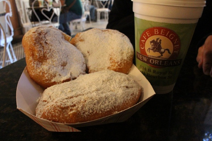 ohhhh Beignets were delicious. Café Beignet is the #2 rated Beignet in New Orleans. We will try #1 (Café du monde) another day