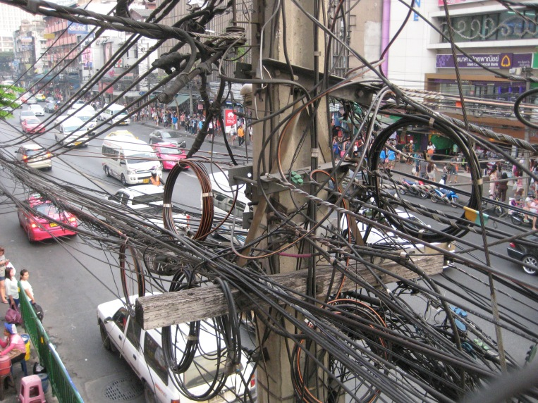 ohh to be an Electrician in Bangkok, must be so much fun