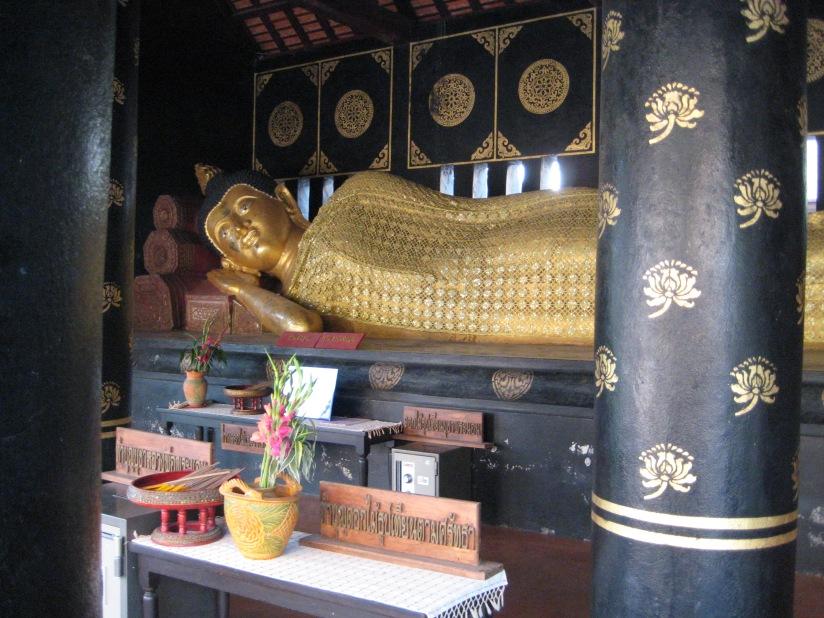 large reclining buddha