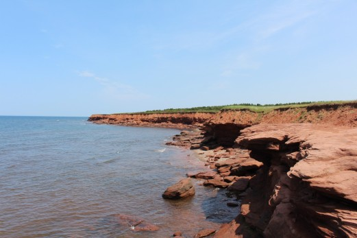 There is that lawn, red rocks and ocean again. That is PEI right there.